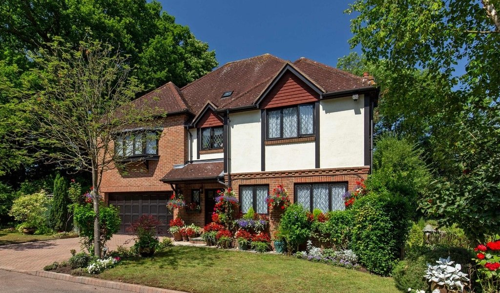Gainsborough Place, Chigwell